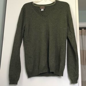 Green 100% cashmere sweater